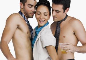 Sexo con una mujer y un hombre