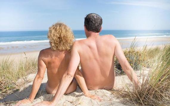 Baño de sol nudista