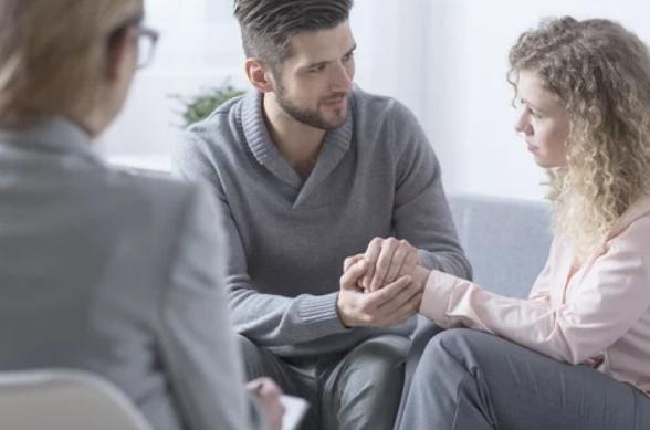 Cómo te puede ayudar un sexólogo